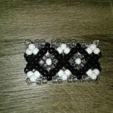 Black and White X base