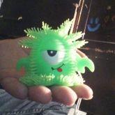 Help Alien Toy Attach To Kandy